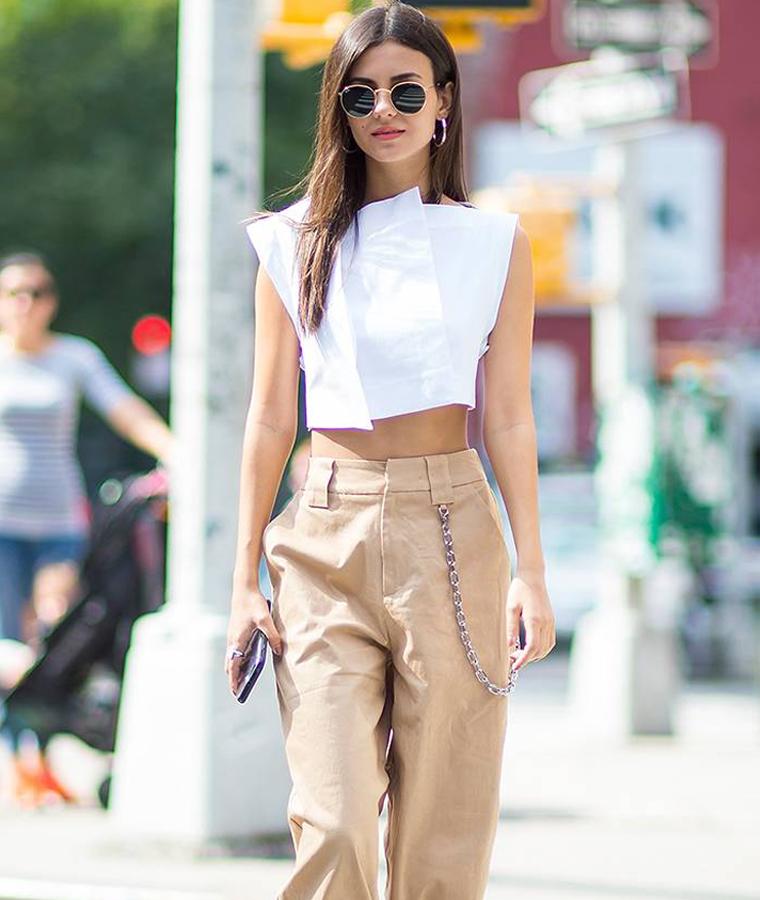 outfit pantalone fisico a pera